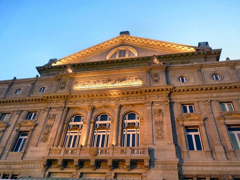 Le théâtre (Opéra) Colon sur l'Avenida 9 de julio - 1908