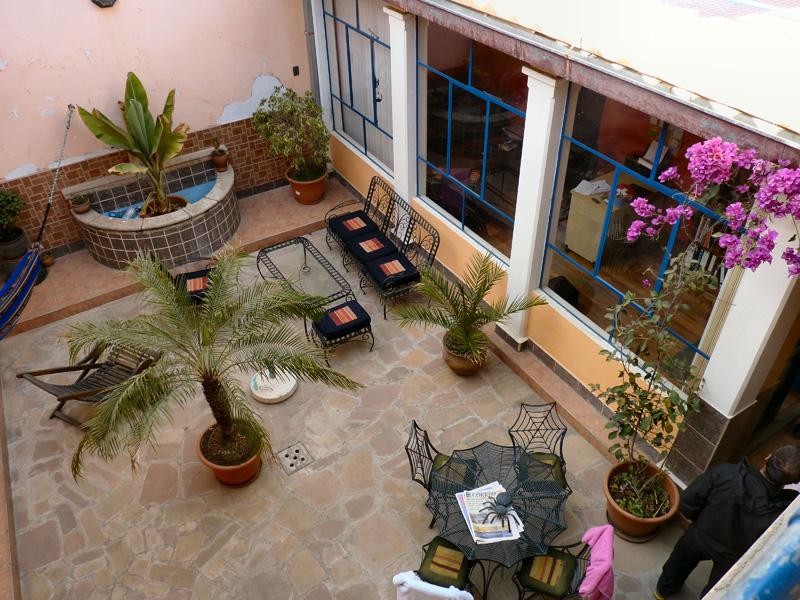 Le patio de notre hostal (ordre de grandeur : 100 bolivianos la chambre ou 12€)