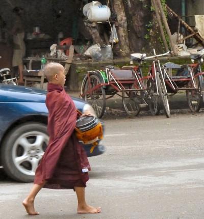 birmanie-20-22-juillet-yangon-P1490983-enr-web-800